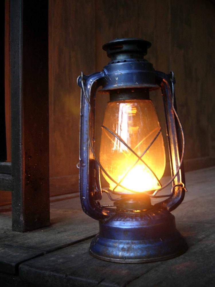 Museo de el candil el candil de los pensamientos for Lamparas y plafones de pared