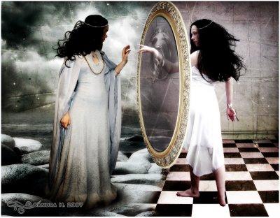 Una-esquizoide-frente-al-espejo